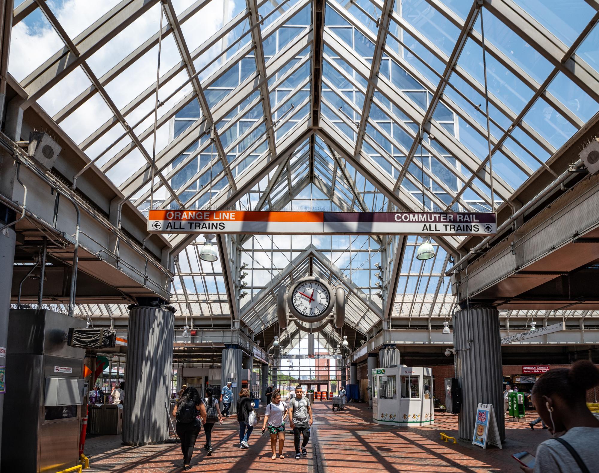 Interior of Forest Hills Station (June 21, 2018)