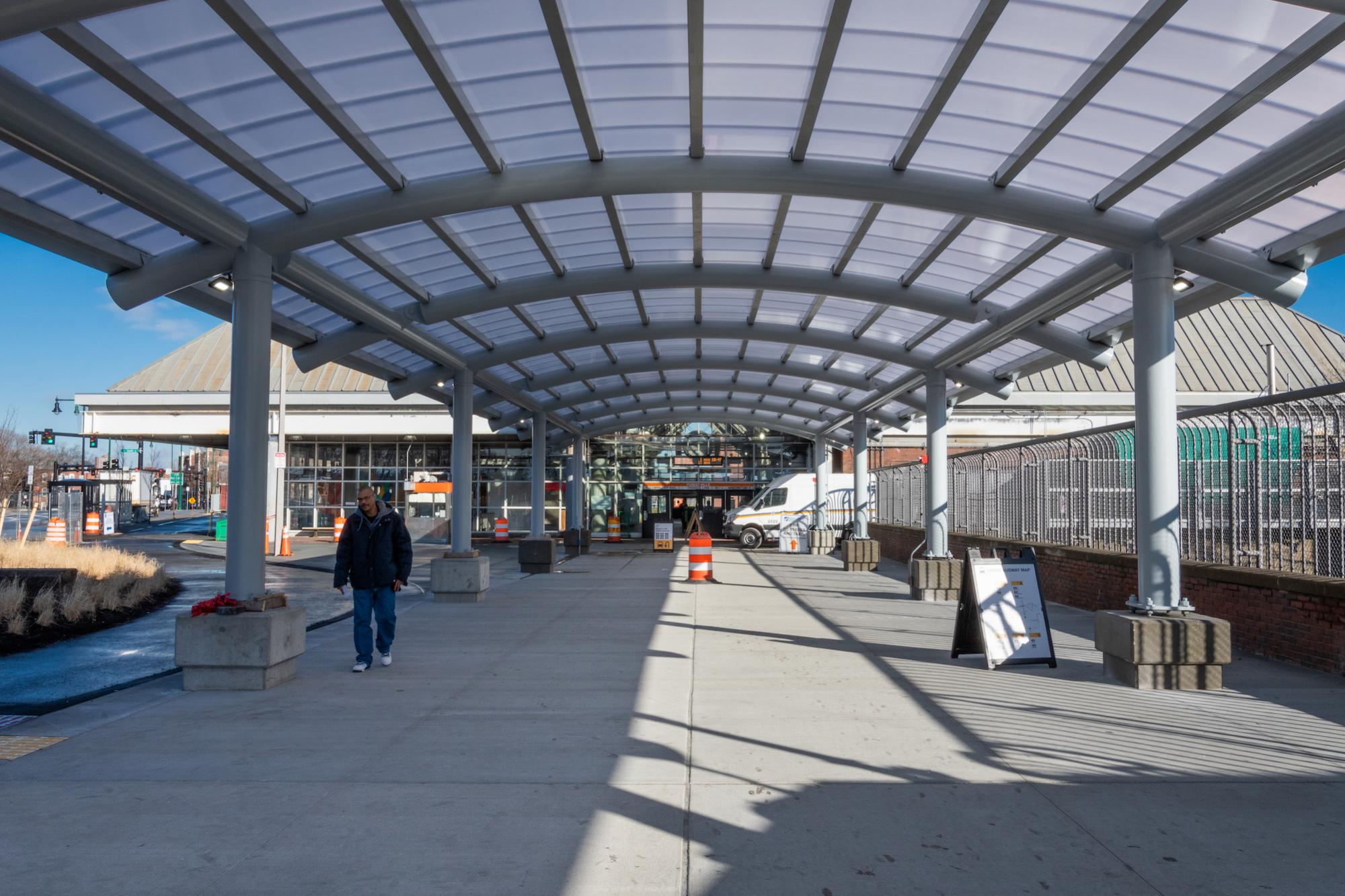 Covered walkway to the Forest Hills entrance (January 4, 2019)