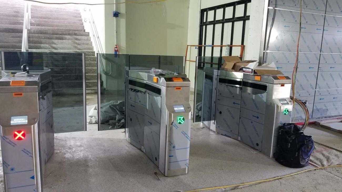 Fare gate installation complete (July 18, 2019)