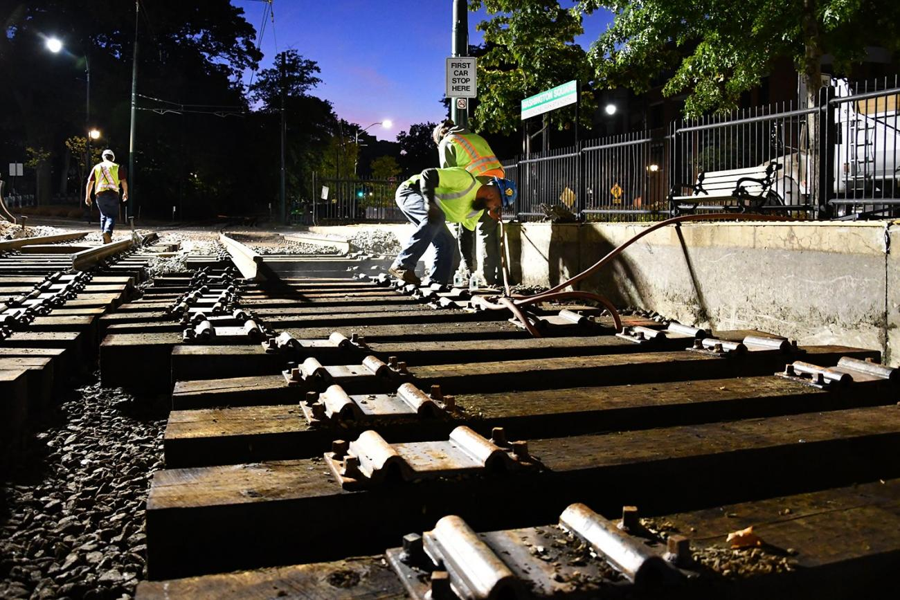 Crews work September 28 – 29, 2019, on intersections upgrades at Washington Street on the C Line.