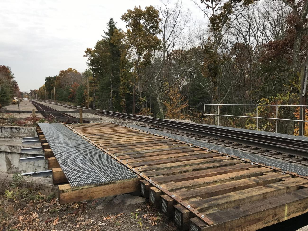 A new steel support structure and timber bridge ties were installed at the West Street bridge in October 2019