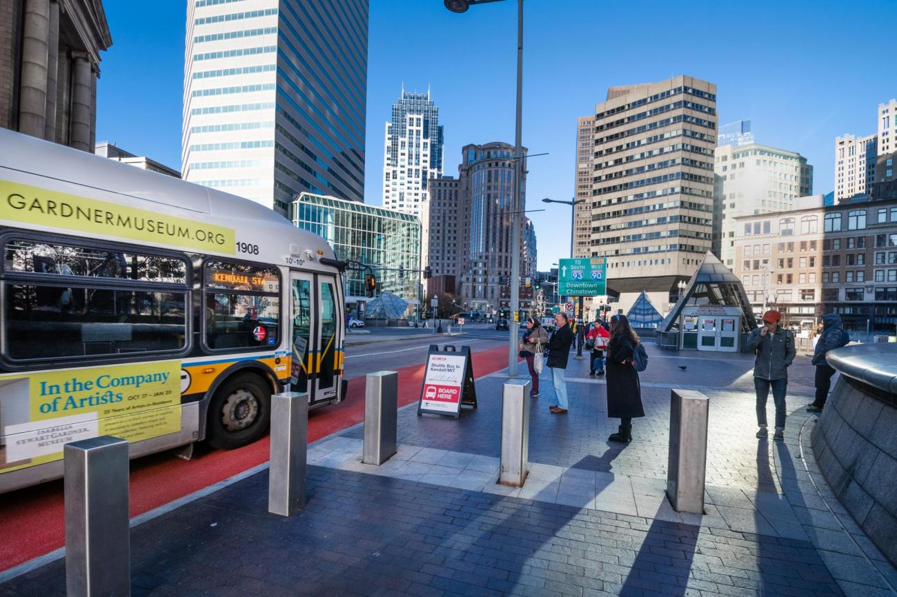 A shuttle bus picks up riders outside of South Station during the November 15 – 17, 2019, Red Line weekend shutdown