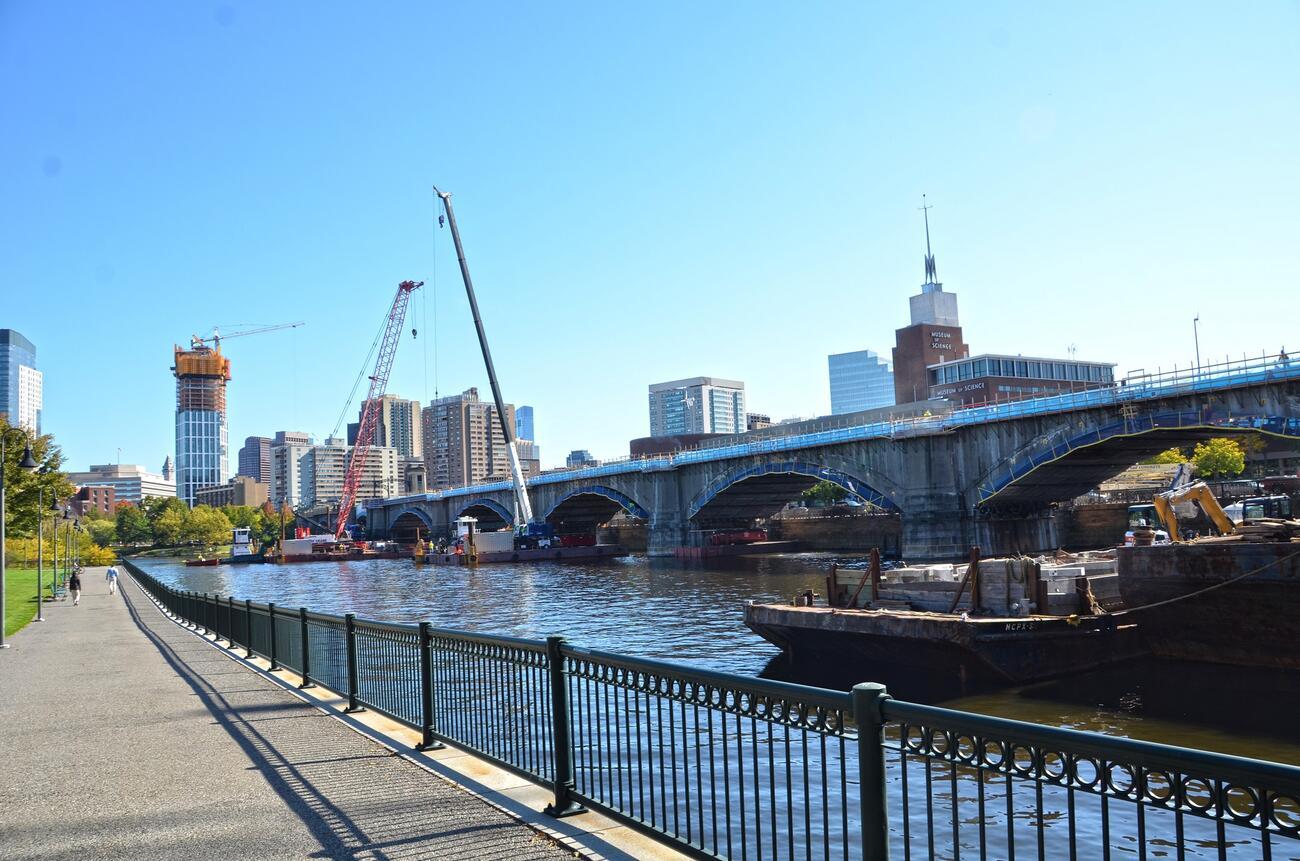 Cranes lift construction materials