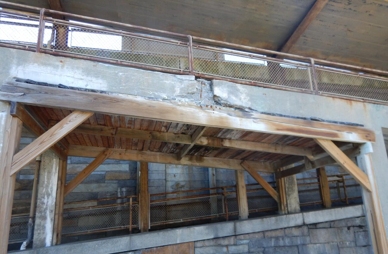 The ramp structures at Winchester Station are deteriorating and require demolition (January 2021).