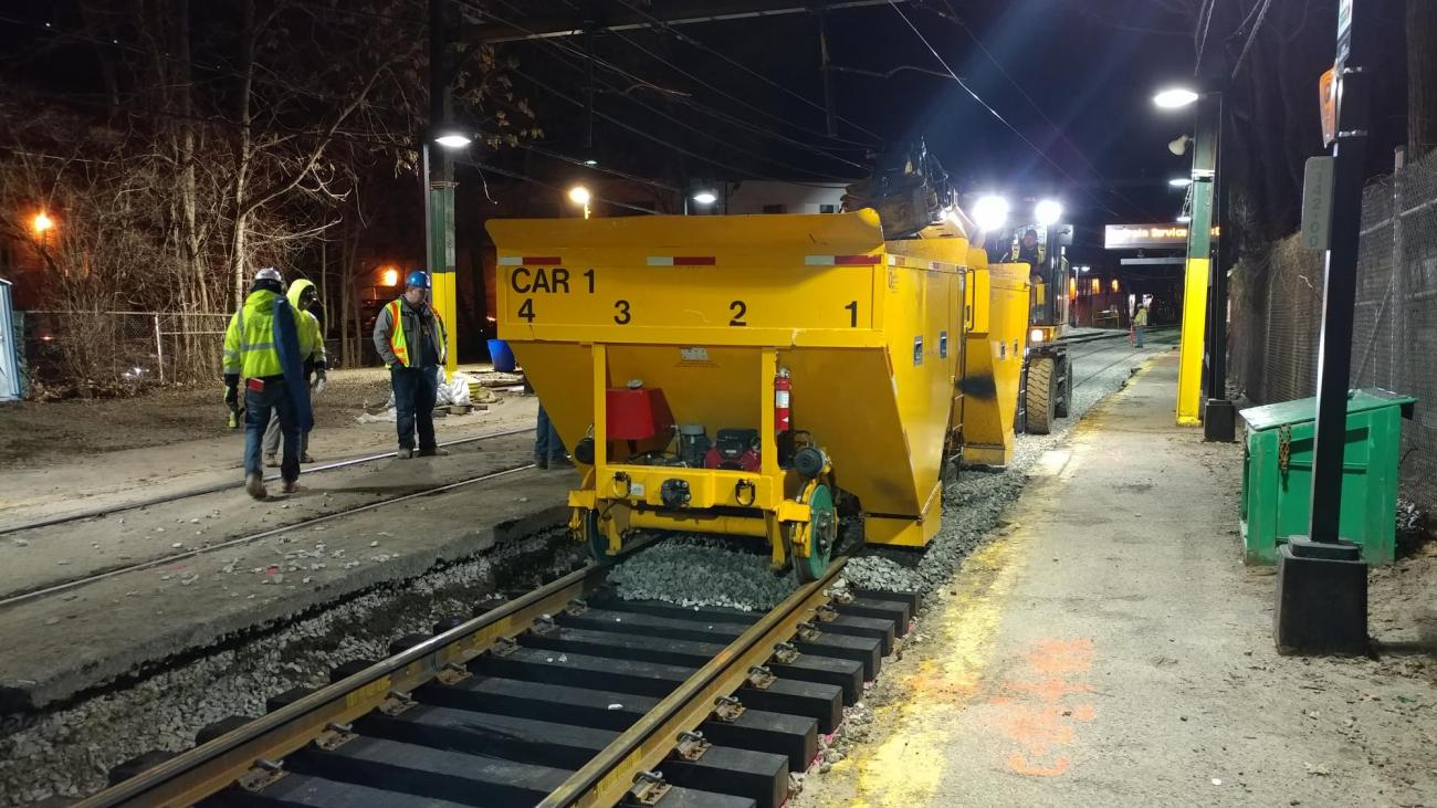 Overnight work to replace ballast at Beaconsfield (March 2019)
