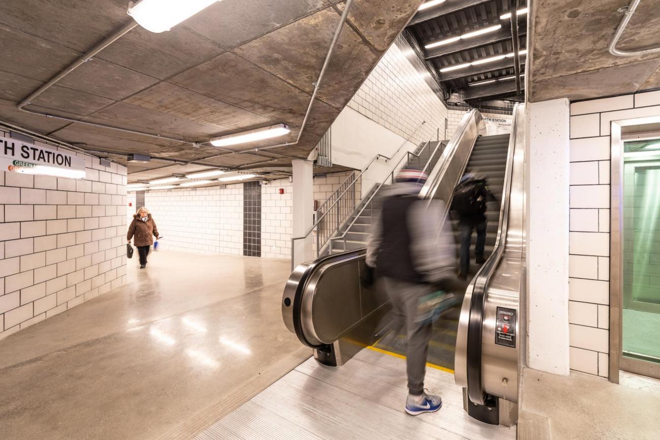 Escalator in the North Station underground walkway (January 7, 2019)