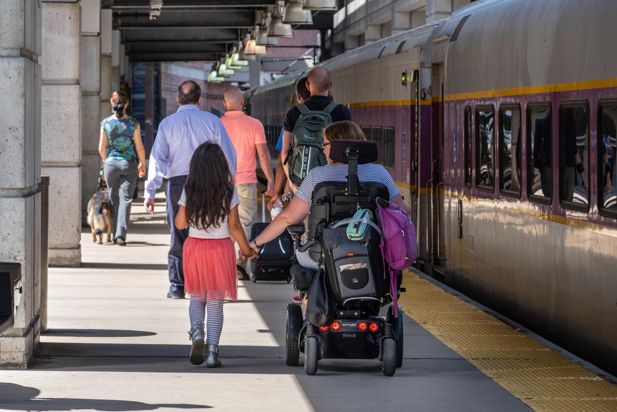 commuter rail level boarding platform