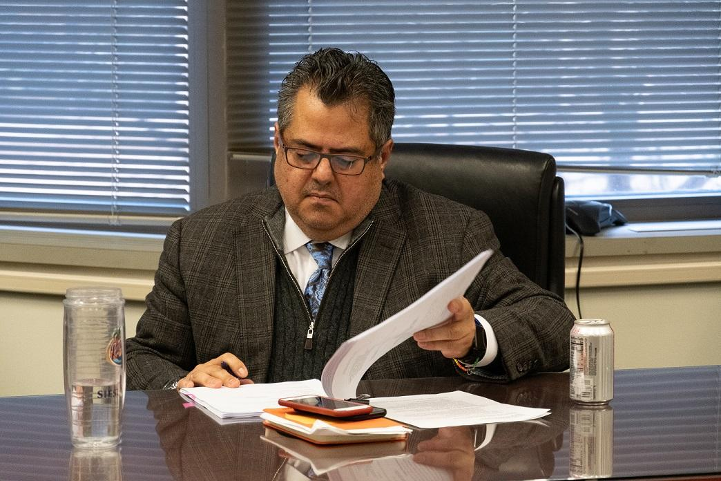 MBTA General Manager Ramírez signing Amended Settlement Agreement