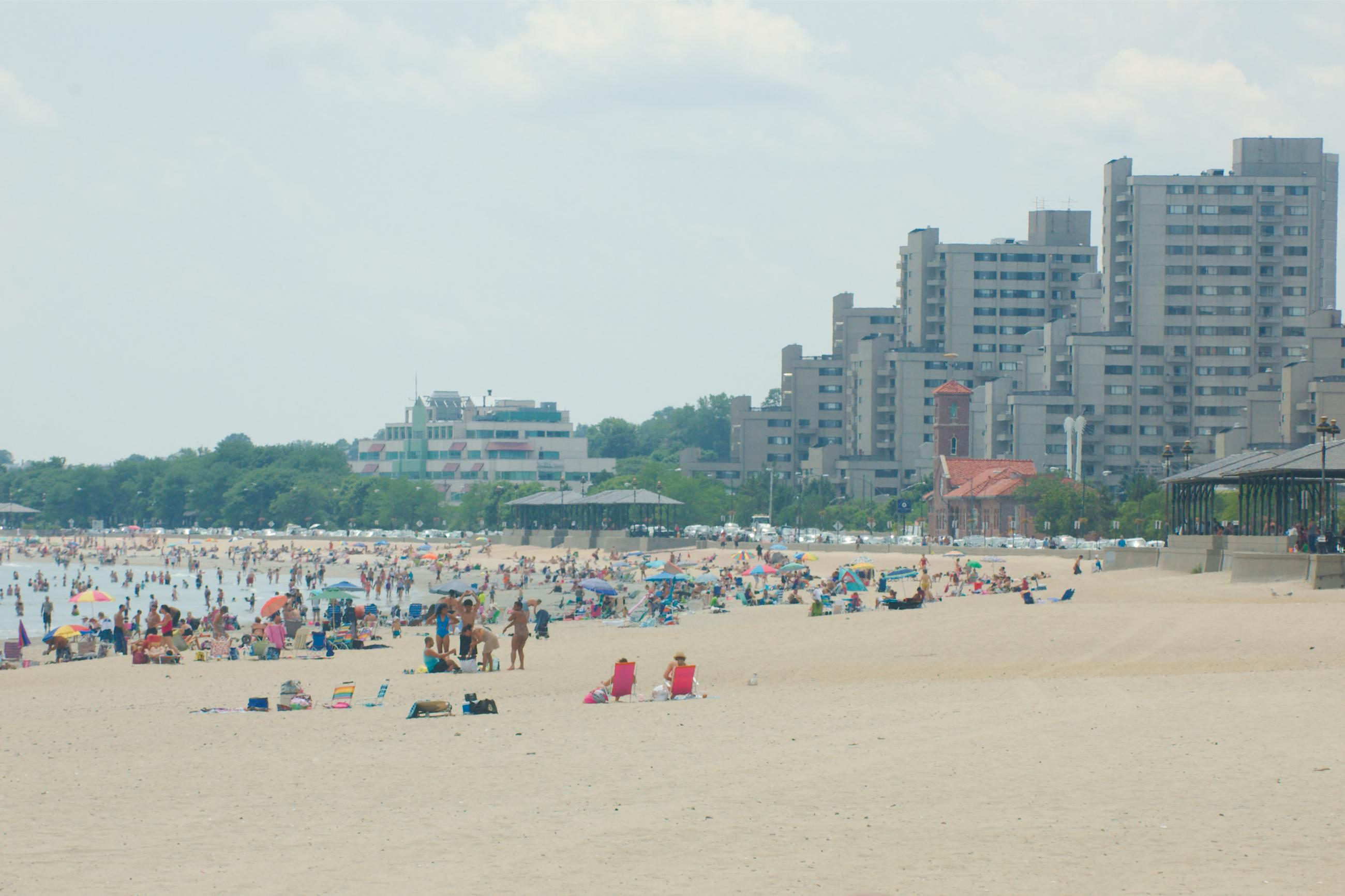 Revere Beach with many people. Photo by massmatt on Flickr (CC BY-SA 2.0).