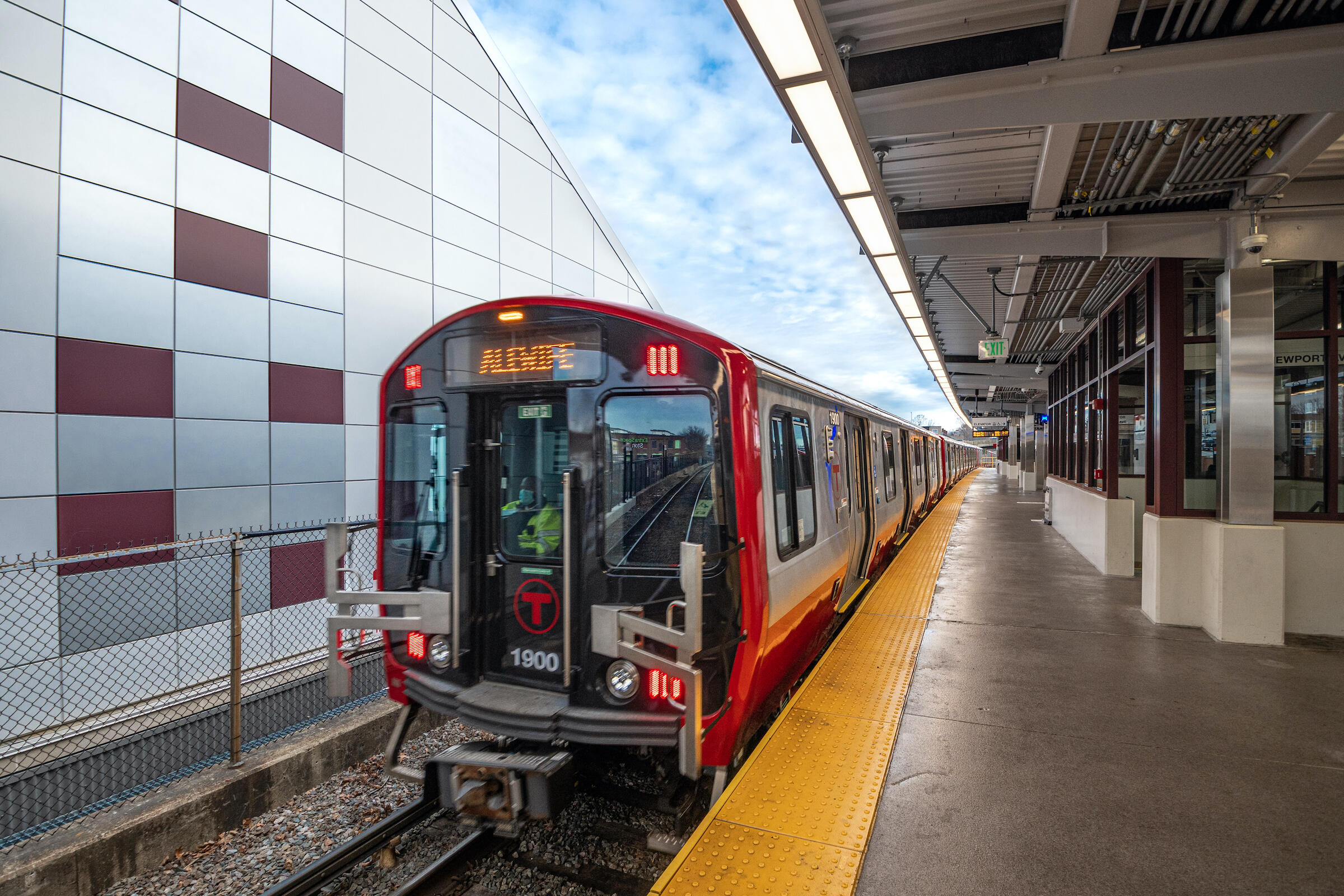 New Red Line train at the Wollaston Station platform