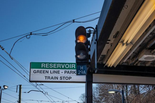 green line signal at reservoir