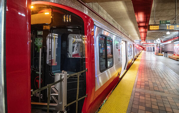A new Red Line trait at Alewife Station