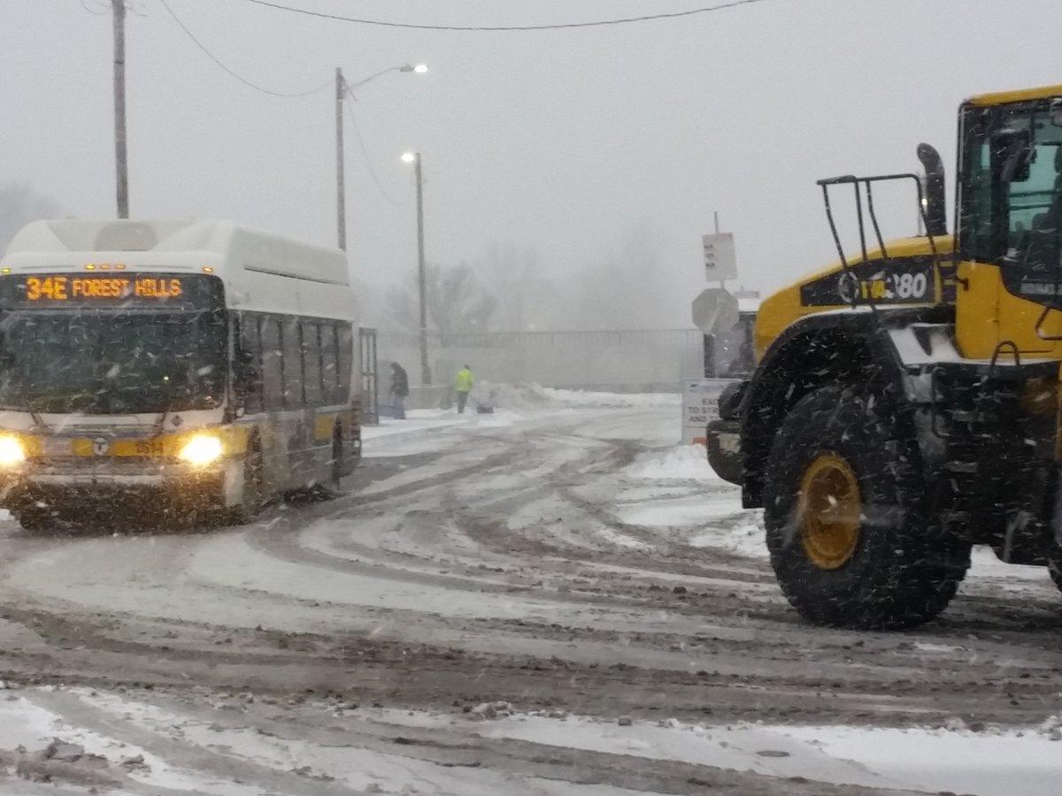 34ebus-snowplow.jpg